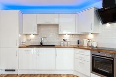 Another high quality kitchen within this brand new 3 to 4 bedroom home in Bristol full of high specification fixtures. For sale now: http://www.rightmove.co.uk/new-homes-for-sale/property-46517058.html?utm_source=twitter&utm_medium=sharing&utm_campaign=newhomes