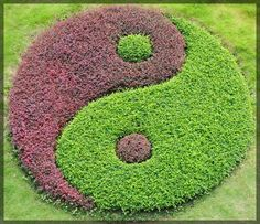 ☯~Yin y Yang~☯ ∞ Feng Shui Approach to Finding Your Center Zen Garden Design, Garden Art, Landscape Design, Garden Ideas, Feng Shui, Yin Yang Balance, Topiary Garden, Meditation Garden, Flower Beds