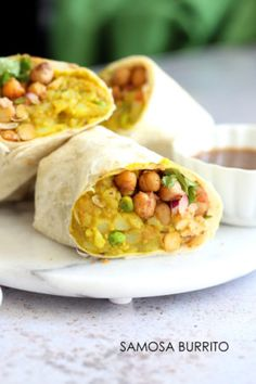 DOES NOT LIKE Samosa Wraps - Spiced Potatoes Chickpeas Chutney Burrito. Easy Spiced Potato Chickpea Burrito for lunch picnic or carry out. Indian Food Recipes, Whole Food Recipes, Lunch Recipes, Dinner Recipes, Cooking Recipes, Healthy Recipes, Wrap Recipes, Vegan Indian Food, Burrito Recipes