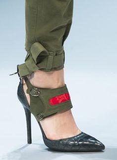 1f58341b6100f1 Ermanno Scervino Fall 2017 Fashion Show Details Chaussures À Talons Hauts,  Bottes, Chaussures Femme