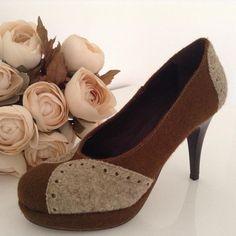 40907aaca4 REALIS sapato bicolor... São as cores naturais do burel. Visite a nossa