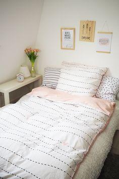 "Bed linen pink ""paper plane"" reversible) - Home Page Dream Bedroom, Room Decor Bedroom, Dorm Room, Marble Bedding, Linen Bedding, Teenage Room Designs, Cute Room Ideas, Aesthetic Rooms, Pink Paper"