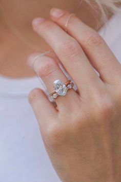 Moissanite Solitaire Engagement Rings - Trending Engagement Rings For Women Engagement Ring Buying Guide, Classic Engagement Rings, Platinum Engagement Rings, Solitaire Engagement, Engagement Ideas, Gold Wedding Rings, Wedding Bands, Wedding Shit, Wedding Stage