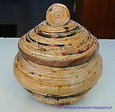 Porta-jóias (ou o que você quiser) feito com jornal reciclado e impermeabilizado.