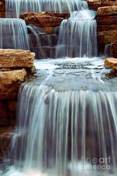 ✯ Beautiful cascading waterfall over natural rocks