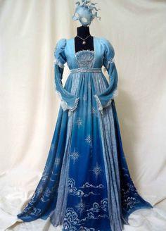 Costume designed byCarlo Poggioli for Juliet Capulet (Hailee Steinfeld ) in Romeo and Juliet (2013)- Ball scene