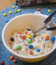 Add your own mix-ins to customize your own cookie dough. Eat cookie dough the way you want! This ready-to-eat dough is delicious as is, or pop it in the oven for freshly baked cookies!