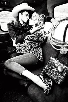 I have always been drawn to the high contrast BW Guess ad campaigns. Guess Fall 2011 Campaign - photography by Ellen von Unwerth.