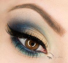 Eye Makeup Tips.Smokey Eye Makeup Tips - For a Catchy and Impressive Look Hazel Eye Makeup, Hazel Eyes, Makeup Geek, Makeup Inspo, Makeup Inspiration, Hair Makeup, Makeup Ideas, Beautiful Eye Makeup, Love Makeup