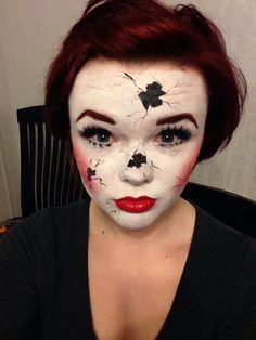 These Reddit users have our makeup skills beat. These real-girl Halloween makeup creations have us cringing in terror.