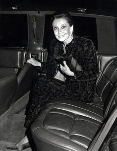 The actress Audrey Hepburn photographed by Ron Galella during her arrival at the Radio City Music Hall in New York City, New York (USA), for an evening gala celebrating the 50th anniversary of LIFE Magazine, on October 09, 1986.Audrey was wearing:Evening ensemble: Givenchy (all black, short coat and a sleeveless gown of brocade velvet with a cashmere motif and embroidered with silk threads in black and silver, beads, rhinestones and jais, both pieces trimmed with an embroidery with crystals…