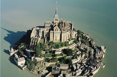 One of the best places I've ever been! http://3.bp.blogspot.com/-fyED3Th0ni0/Tf3SkIlsfoI/AAAAAAAACyo/vOkt0Bgf8xA/s1600/Mont_Saint-Michel.jpg