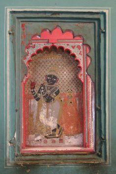 krsna niche Krishna Statue, Krishna Art, Indian Artwork, Indian Paintings, Nativity Stable, Cute Krishna, Krishna Painting, Shree Krishna, Paintings I Love