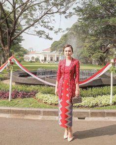 Kebaya Bali Modern, Kebaya Kutu Baru Modern, Kebaya Modern Hijab, Kebaya Hijab, Kebaya Brokat, Batik Kebaya, Dress Brokat, Kebaya Dress, Batik Dress