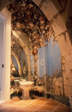 Beautiful Trompe L'oeil with masses of climbing flowers and mosses growing in the cracks of the stone blocks Fresco, Shell Game, Climbing Flowers, Wall Murals, Wall Art, Mural Painting, Paintings, Floor Design, Coastal Style