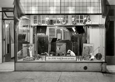 Victor record display in New York Band Instrument Co. window, June 1921. Photo via Shorpy