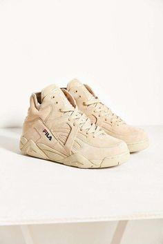 Fila X UO Cage Basketball Sneaker somewhat yeezy season 2016 sand beige outfit, great look nice idea Sneakers Urban, Suede Sneakers, High Top Sneakers, Sneakers Women, High Heels, Shoes Women, Pretty Shoes, Cute Shoes, Moda Nike