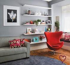 Casei, quero casa: Decorando e organizando com prateleiras e nichos. Living Roon, Living Room Decor, House Makeovers, Decoration, Home And Living, Small Spaces, Bookcase, Sweet Home, New Homes