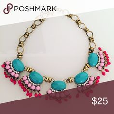 Statement necklace Beautiful statement necklace that I bought but only got to wear once. Looks great with a white top or white dress or navy top or dress! In really great condition! ILY Jewelry Necklaces