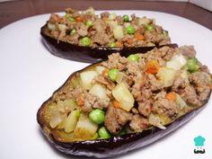 Aprende a preparar berenjenas rellenas de carne picada light con esta rica y fácil receta. Las berenjenas son verduras increíblemente versátiles, ya que son empleada...