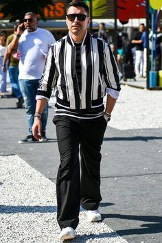 ブラックを大胆に取り入れてモードなエッセンスをプラスするのがイマの気分。 Best Street Style, Best Shopping Sites, Men Street, Mens Fashion, Luxury, Jackets, How To Wear, Shirts, Clothes