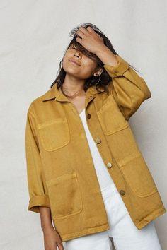 Golden Hemp Utility Jacket - Back Beat Rags Organic Cotton Clothing & Sustainable Fashion Fashion Mode, Look Fashion, Fashion Outfits, Womens Fashion, Fashion Tips, Fashion Trends, Jackets Fashion, Fashion Fall, Fashion Boots