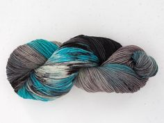 hand-dyed yarn by one of my fave knitters ever, Hélène Seners. 💜