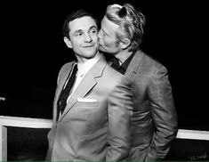 Mads Mikkelsen & Hugh Dancy manip
