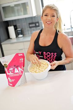 🙅♀️🙅♀️ I always used to think that you couldn't have healthy late night snacks. 🌙 I was wrong! Let me show you my FAVORITE treat 🍿🍿🍿🍿🍿🍿 Lean Snacks, Healthy Late Night Snacks, Lean Meals, Healthy Snacks, Healthy Habits, Diet Plan Menu, Shake Recipes, Lean Recipes, Protein Recipes