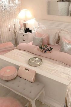 The impact of bedroom furniture will make you have a good night's sleep. Let's face it, and a modern bedroom furniture design can easily make it happen. Modern Rustic Bedrooms, Modern Bedroom Furniture Sets, Furniture Ideas, Mid Century Modern Bedroom, Mid Century Modern Furniture, Glam Bedroom, Bedroom Vintage, Bedroom Photos, How To Make Bed