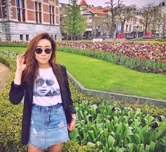Ahh #Tulips are all around and makes me super giddy . https://www.instagram.com/firstandseven/ Makes my Monday easier 😉 #SpringPerks. Fashion, Spring Fashion, Trends, Style, Streetstyle, Spring Style, Lifestyle, Travel, Blog, Traveler, Wanderlust, Explore, New, Design, Color, Colorful, Vibrant, Inspo, Inspiration, Trending, Now, Accessories, Season, SS 2017, SS17, Summer, HowTo, Whattowear, Howtowear, WhatIWore, WhatIWear, WhattoEat, WheretoGo, Amsterdam, Netherlands, American