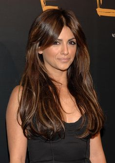Monica Cruz - LOVE this hair color on her! Penelope Cruz, Brunette Beauty, Brunette Hair, Hair Beauty, Gorgeous Hair Color, Beautiful Long Hair, Hairstyles With Bangs, Cool Hairstyles, New Hair Do