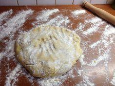 Χριστουγεννιάτικα μπισκοτάκια βουτύρου Cake Recipes, Biscuits, Bread, Cookies, Food, Dump Cake Recipes, Crack Crackers, Crack Crackers, Easy Cake Recipes