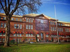 Malmen Montessori är en fristående skola i Borås som omfattar förskola (1-5 år), förskoleklass (6 år), grundskola 1-9 (6-16 år) och fritidshem. Skolan har ca 460 barn/elever och har som målsättning att arbeta enligt Maria Montessoris principer.