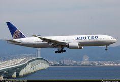 N216UA United Airlines Boeing 777-222(ER)  (KIX / RJBB)