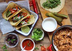 Mat, styling och foto: Diana Dontsova  �  Vill du äta något gott i helgen så är mitt förslag pulled pork, favoriträtten hemma hos mig. Gott ochenkelt men det tar lite tid att laga....