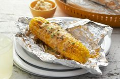 Ultimate Grilled Corn on the Cob recipe - nice compliment to those ribs at your BBQ this weekend. Kraft Recipes, Corn Recipes, Grilling Recipes, Cooking Recipes, Grilling Corn, Bbq Corn, Grilling Tips, Barbecue, Gourmet