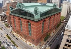 The Harold Washington Library Center is located in the South Loop & is the central library for the Chicago Public Library system. Library Center, Main Library, Central Library, Post Modern Architecture, Architecture Photo, Library Architecture, Historic Architecture, Frank Lloyd Wright Buildings, Washington