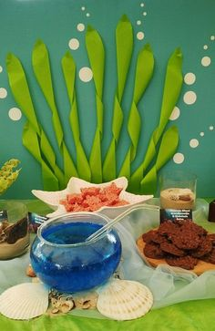 Seaweed & Bubbles Backdrop for little Mermaid birthday party. Party Fiesta, Festa Party, Luau Party, Beach Party, Little Mermaid Birthday, Little Mermaid Parties, Octonauts Party, Bubble Guppies Birthday, 3rd Birthday Parties
