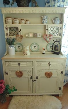 Beautiful Welsh Dresser, Painted in F & B Off White & Distressed Shabby Chic Kitchen Dresser, Shabby Chic Furniture, Antique Furniture, Furniture Update, Furniture Makeover, Hutch Makeover, Furniture Ideas, Vintage Shabby Chic, Shabby Chic Decor