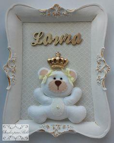 Quadro para quarto de bebê personalizado com moldura de resina.