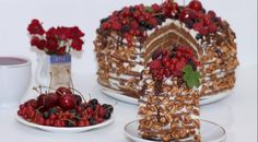 Honey cake with cinnamon Honey Cake, Gingerbread, Cake Recipes, Waffles, Cinnamon, Good Food, Cooking Recipes, Baking, Breakfast