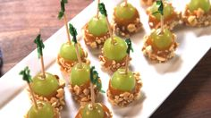 Caramel Apple Grapes Grapes soaked in caramel vodka, dipped in caramel, and topped with nuts, toffee, or another favorite topping - for some ideas http://www.joyfulscribblings.com/2013/09/caramel-apples/