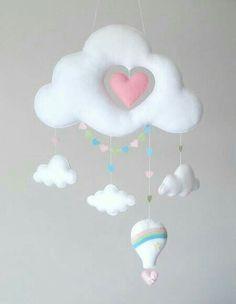 New Diy Baby Mobile Felt Feltro Ideas Baby Crafts, Felt Crafts, Diy And Crafts, Baby Mobile Felt, Felt Baby, Baby Mobiles, Diy Y Manualidades, Felt Decorations, Felt Toys