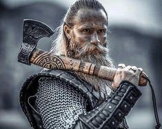 Viking hammer with Vegvisir Symbol carpentry woodwork | Etsy Viking Beard, Viking Axe, Viking Warrior, Battle Axe, Viking Battle, Tomahawk Axe, Axe Handle, Camp Axe, Vegvisir
