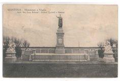 Monumento a Virgilio, piazza Virgiliana (venne costruito nel sito ove insisteva il teatro napoleonico) - Mantova