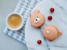 Day 08 of 12 Days of Cookies: Gingerbread Bear Macarons
