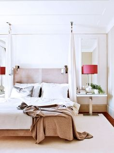 31 Canopy Bed Ideas & Design for Your Bedroom Canapé Design, House Design, Interior Design, Home Bedroom, Bedroom Decor, Bedroom Ideas, Master Bedroom, Appartement Design, Four Poster Bed