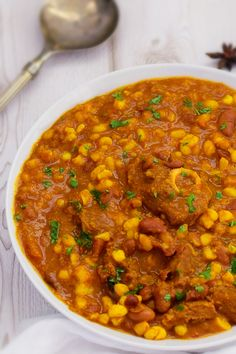 Curried Samp and Beans with Lamb. A delicious South African dish cooked with spices and tender lamb. It's a warm, comforting dish, a great weeknight dinner. South African Dishes, South African Recipes, Ethnic Recipes, Jamaican Recipes, Spicy Recipes, Meat Recipes, Oven Chicken Recipes, Dutch Oven Recipes, Comfortfood