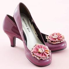 Pattern for Cute Shoe Flowers